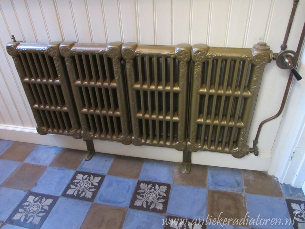 geplaatste gietijzeren radiator 104 a