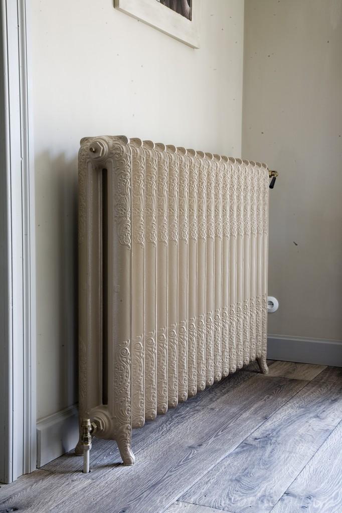 gedecoreerde gietijzeren radiator