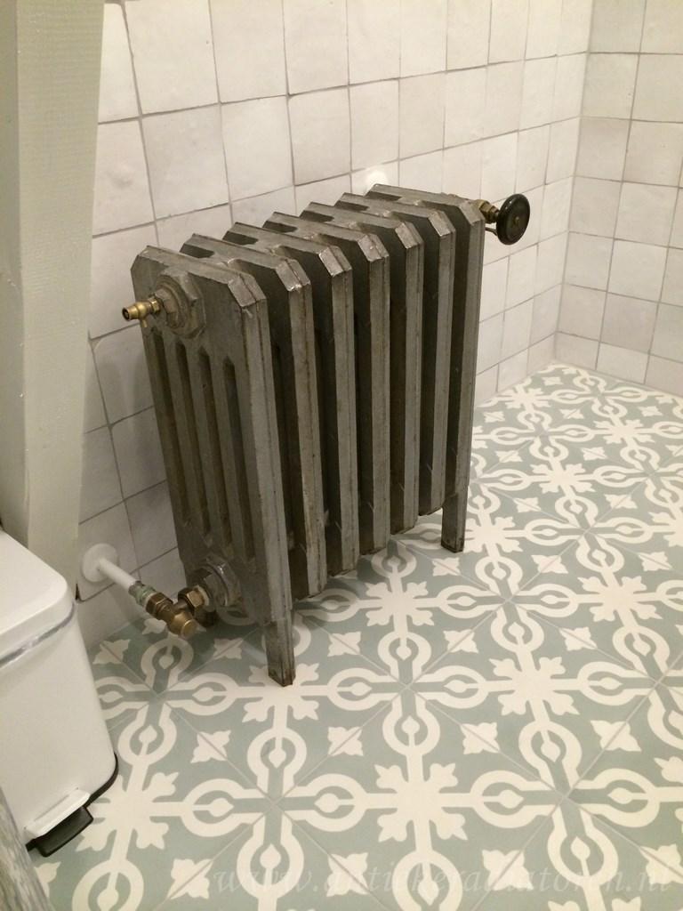 geplaatste gietijzeren radiator 87