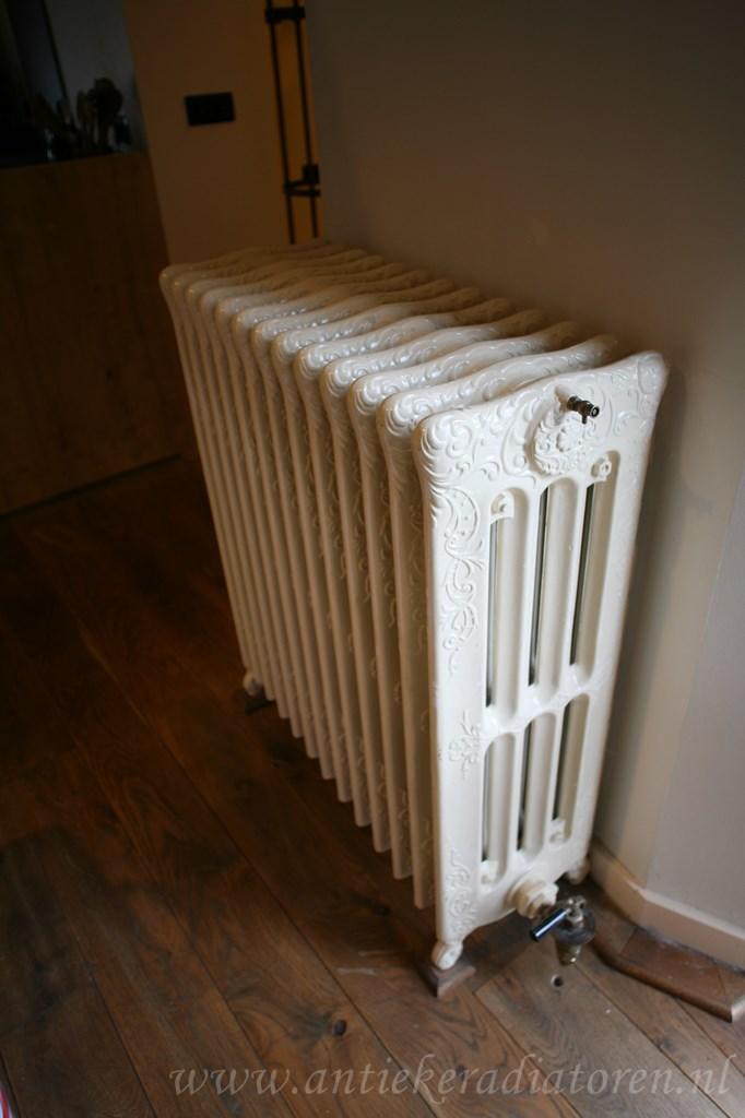 geplaatste gietijzeren radiator 90 a