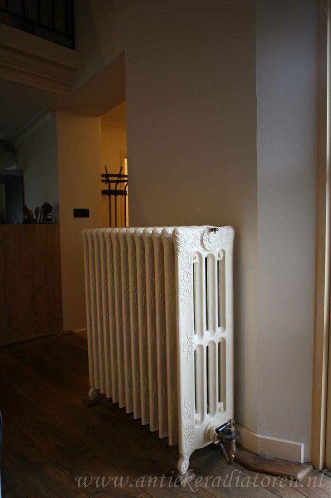 geplaatste gietijzeren radiator 90