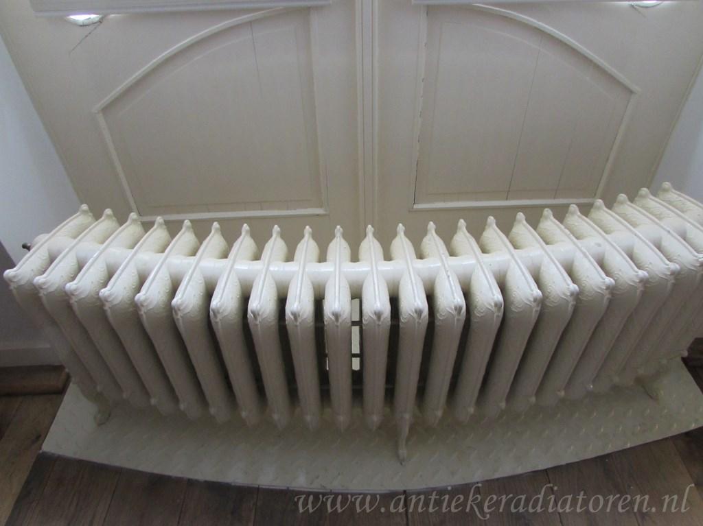 geplaatste gietijzeren radiator 94 b