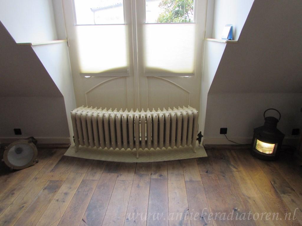 geplaatste gietijzeren radiator 94 c