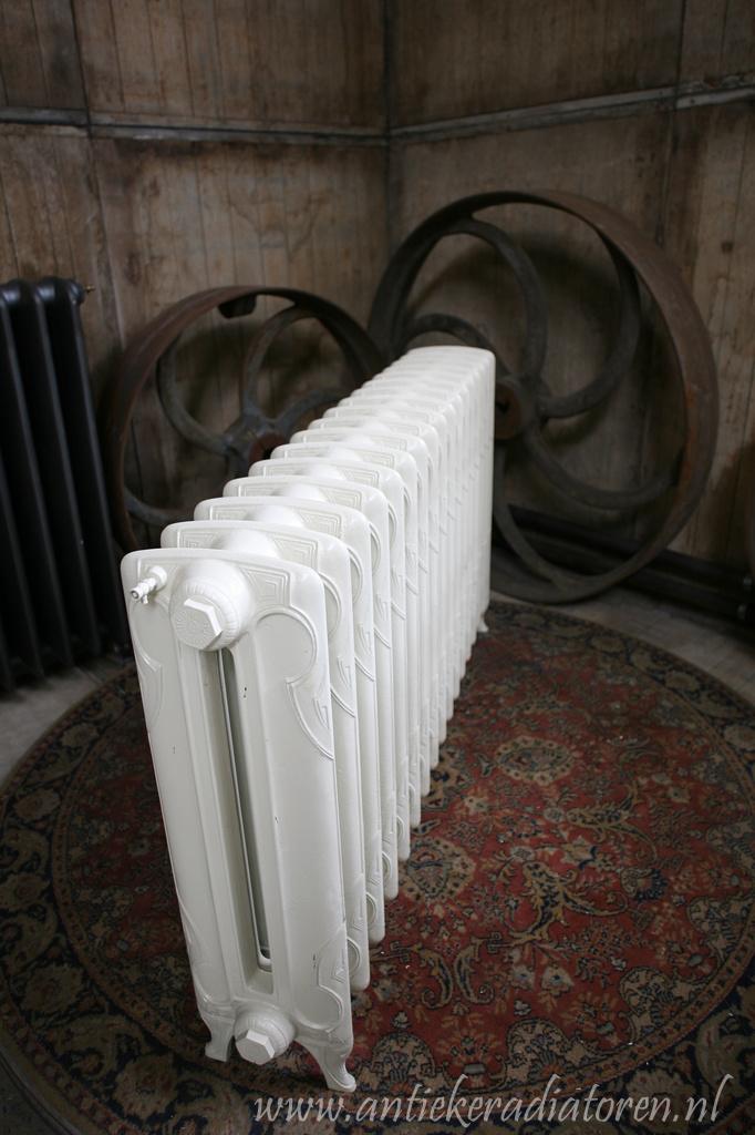oude bewerkte radiator 106 a
