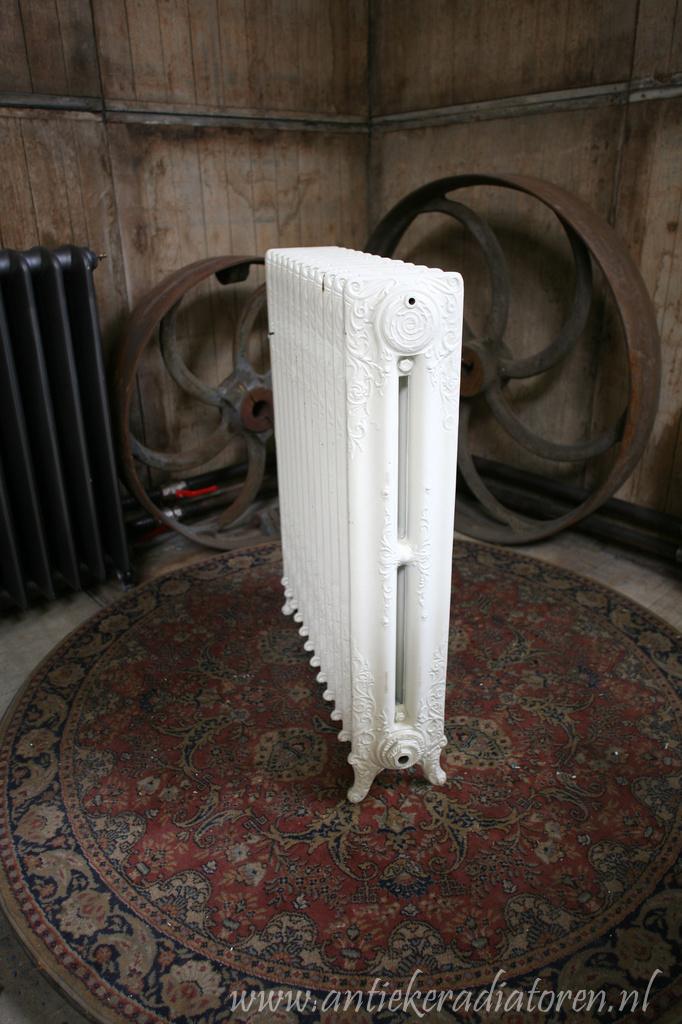 oude bewerkte radiator 115 a