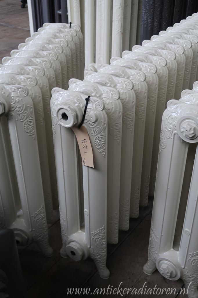 oude bewerkte radiator 129 a