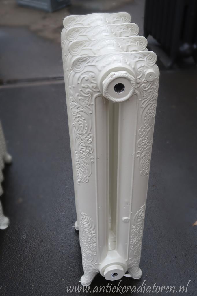 oude bewerkte radiator 13 b