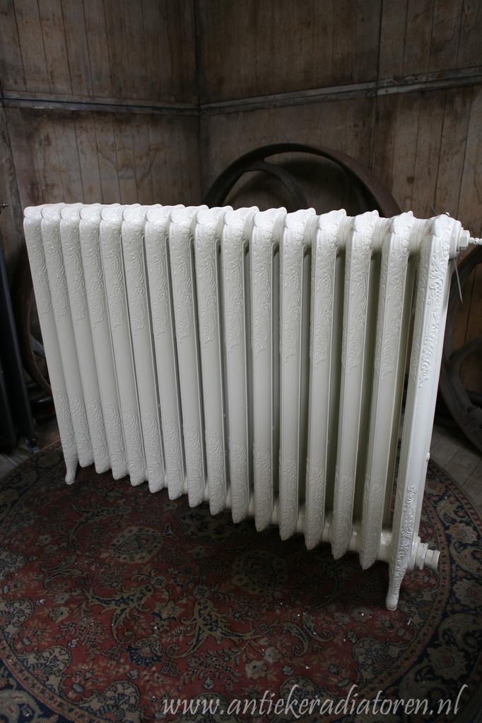 oude bewerkte radiator 145 e