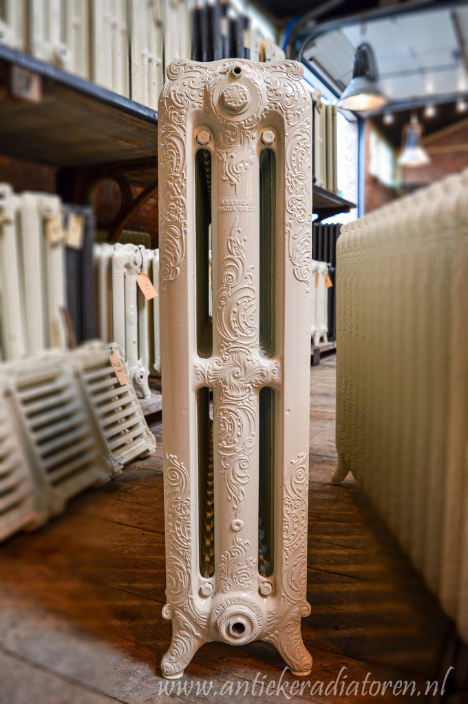 oude bewerkte radiator 150 a