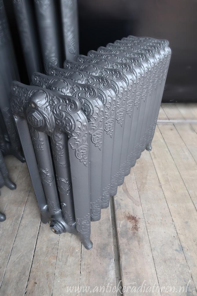 oude bewerkte radiator 175 a