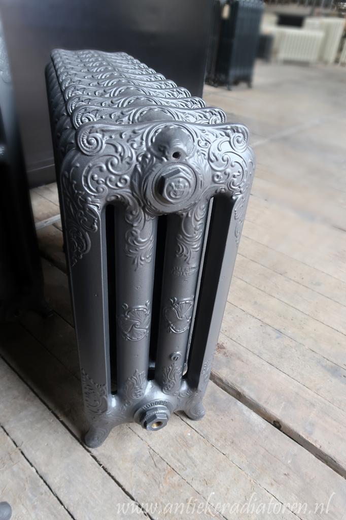 oude bewerkte radiator 175 b