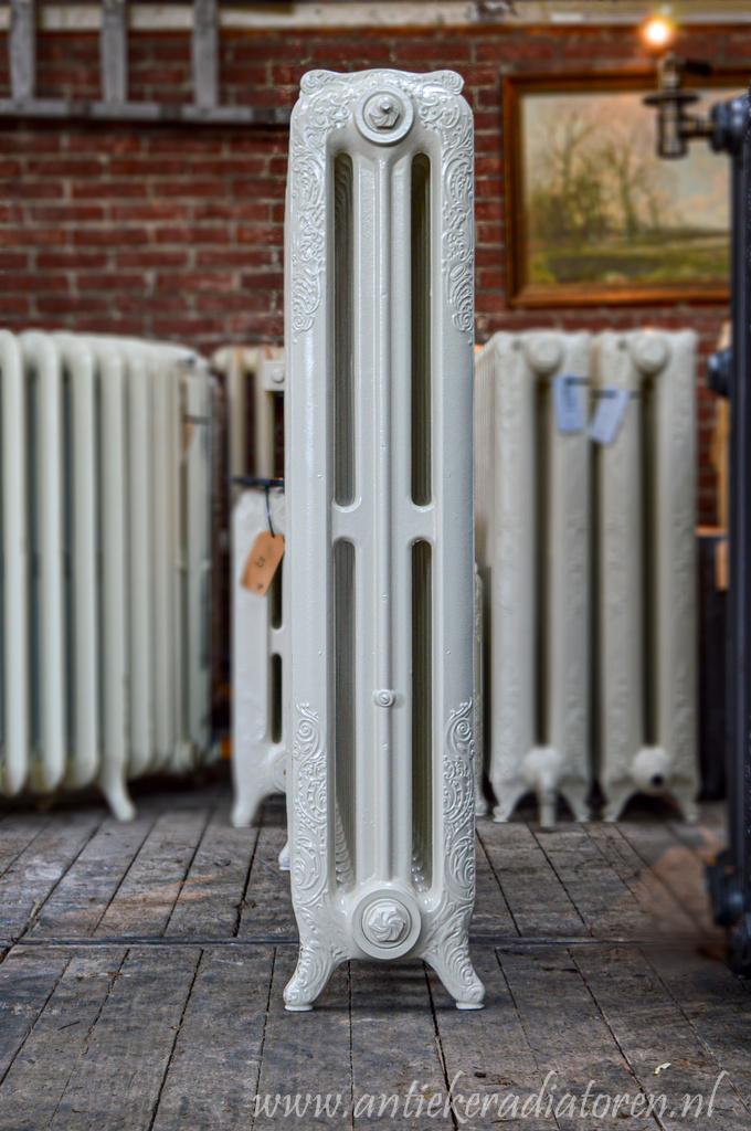 oude bewerkte radiator 204 b