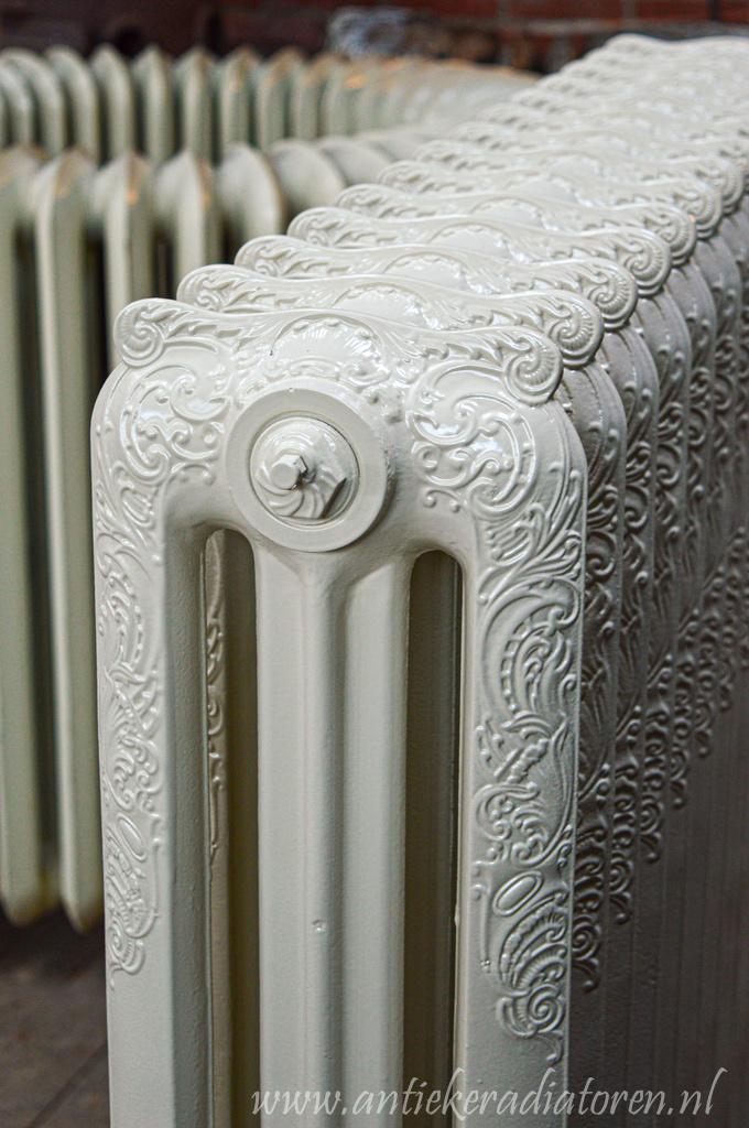 oude bewerkte radiator 204 c
