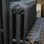 oude bewerkte radiator 233