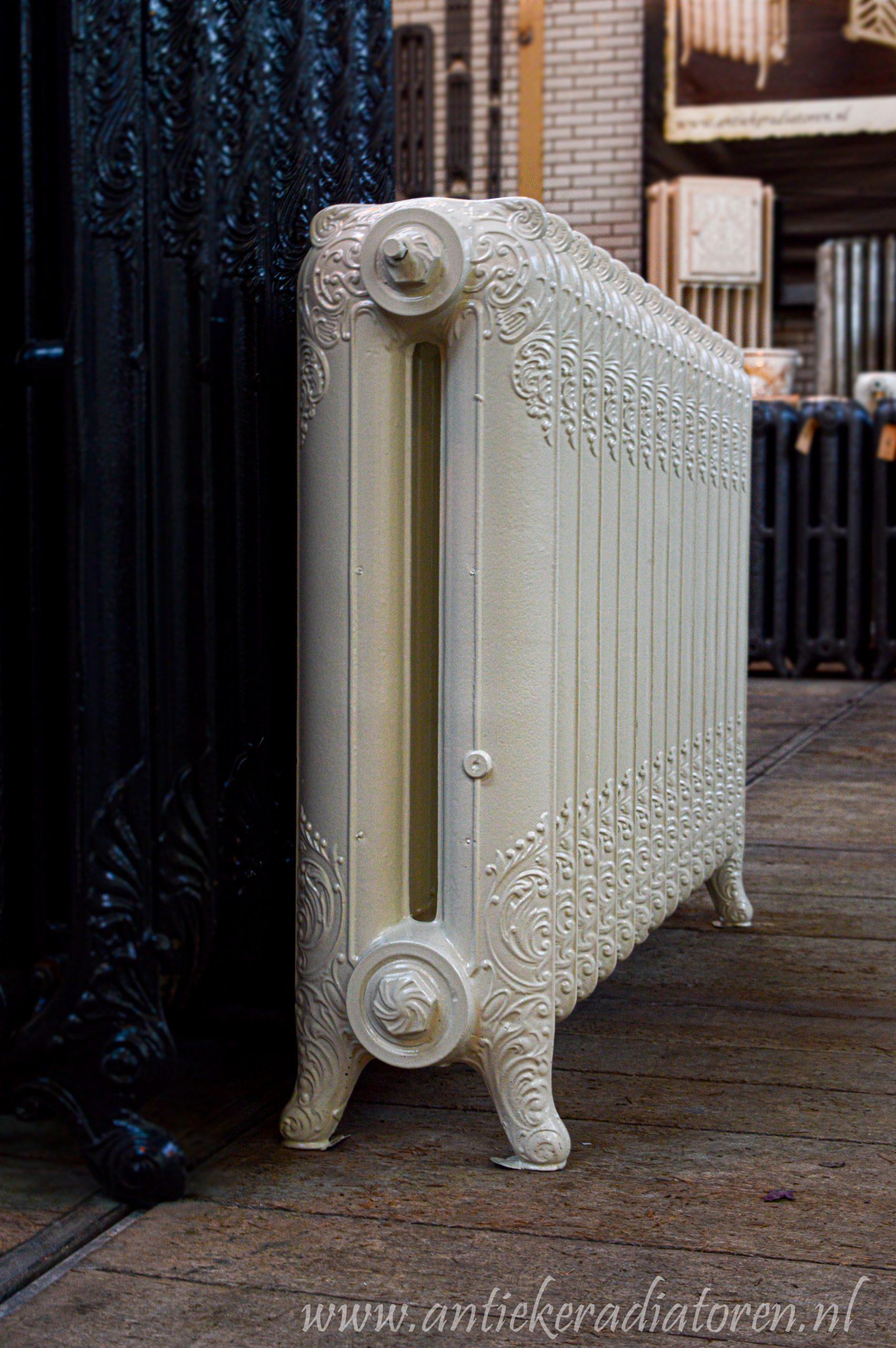 oude bewerkte radiator 255 a