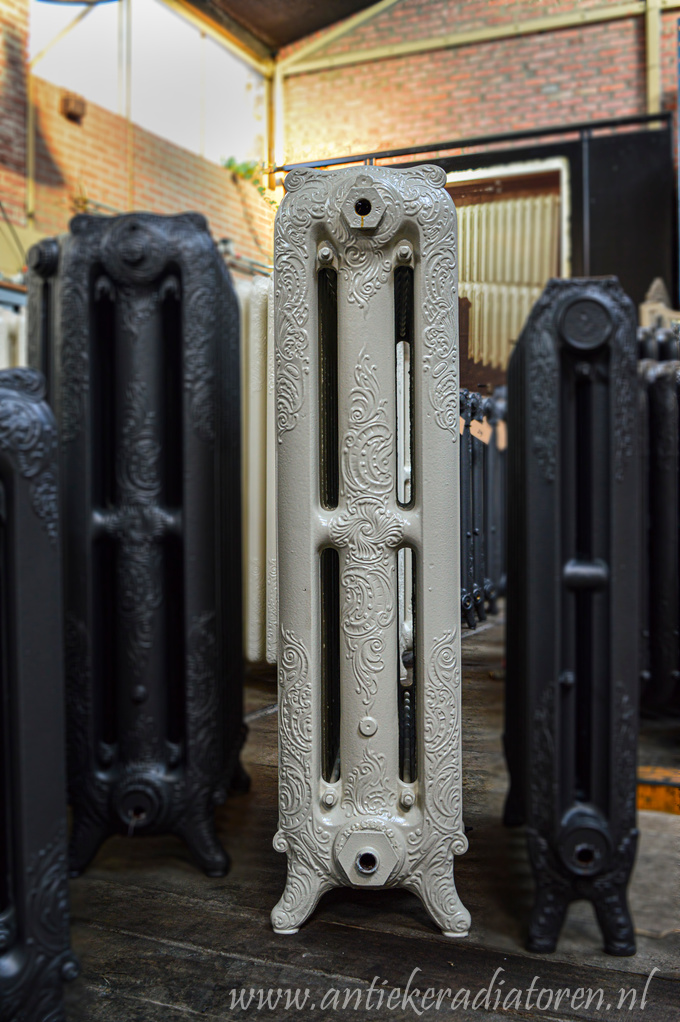 oude bewerkte radiator 270 a