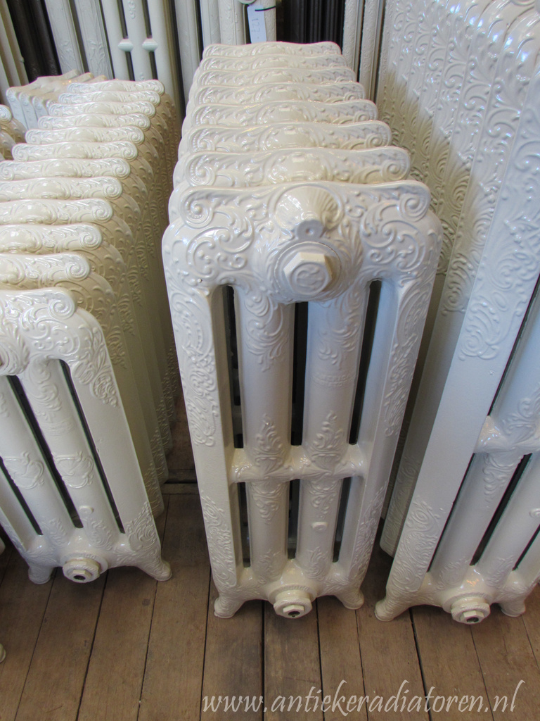 oude bewerkte radiator 43 a