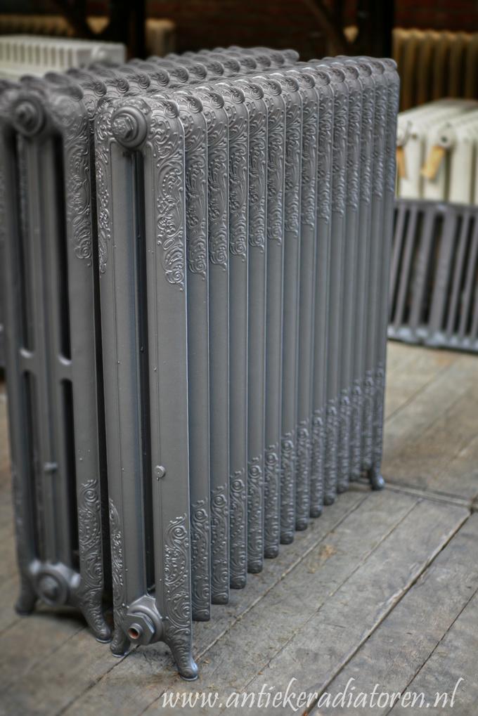 oude bewerkte radiator 46 b
