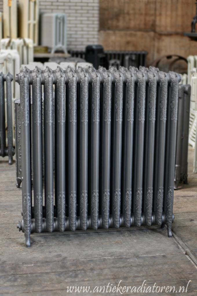 oude bewerkte radiator 46 c