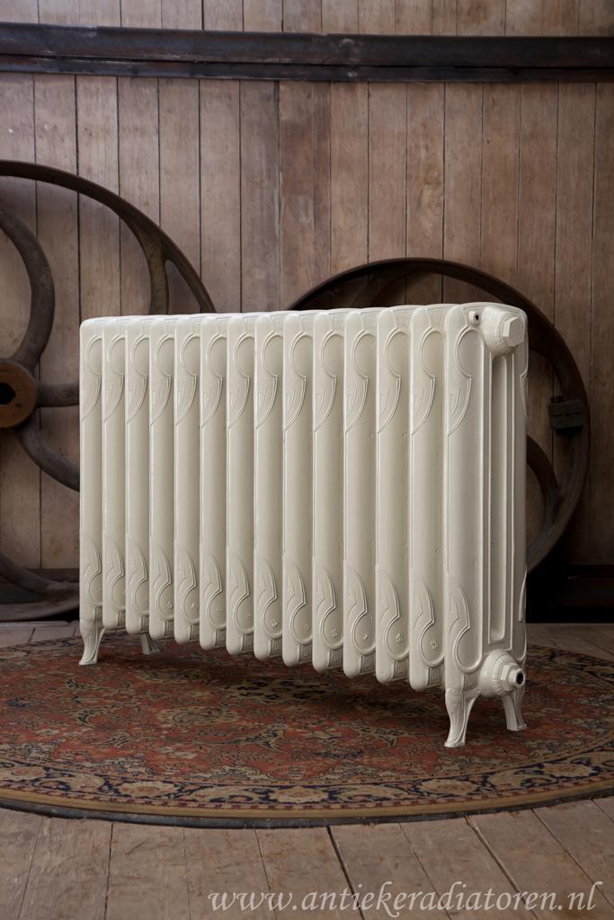 oude bewerkte radiator 58 a