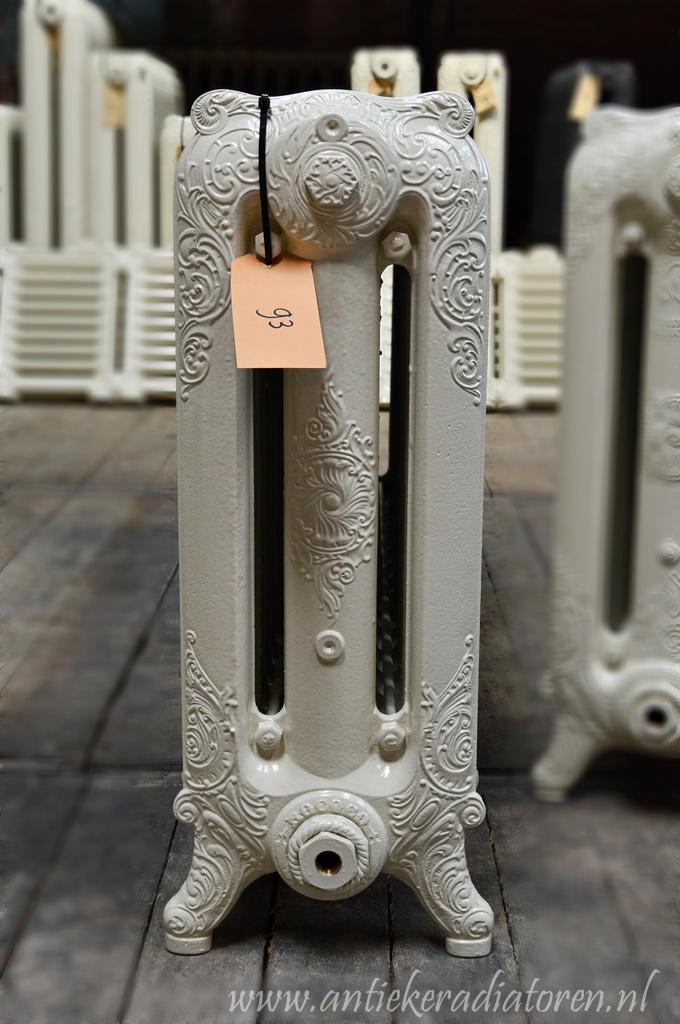 oude bewerkte radiator 93 a