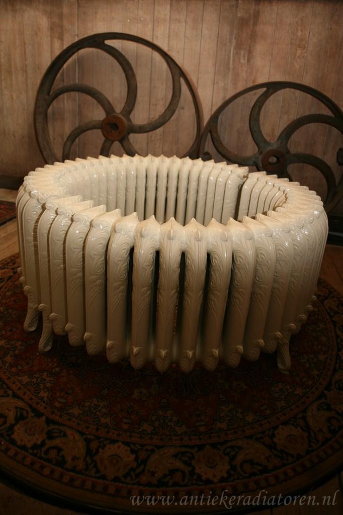 Gietijzeren lage ronde radiator