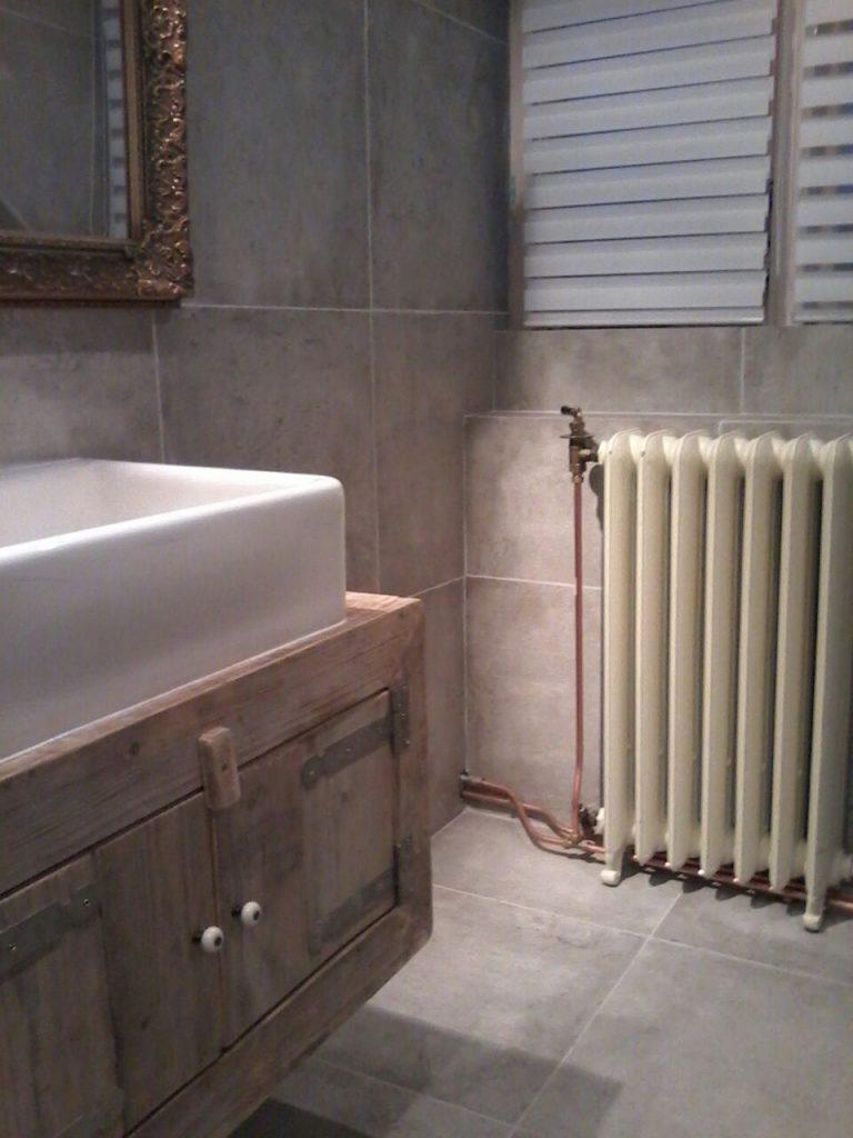 geplaatste gietijzeren radiator 116