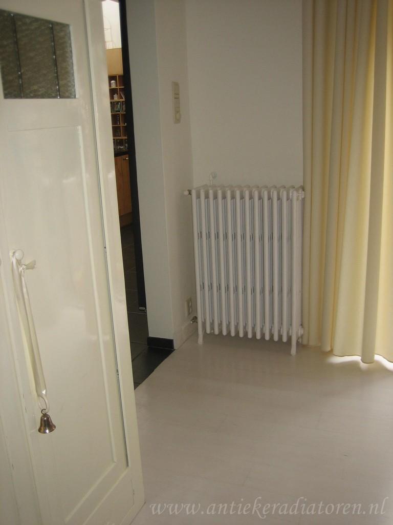 geplaatste gietijzeren radiator 12