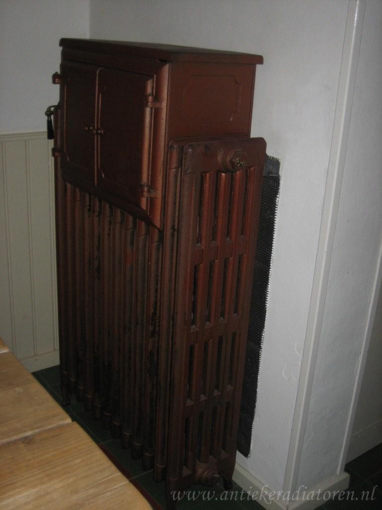 geplaatste gietijzeren radiator 14 b