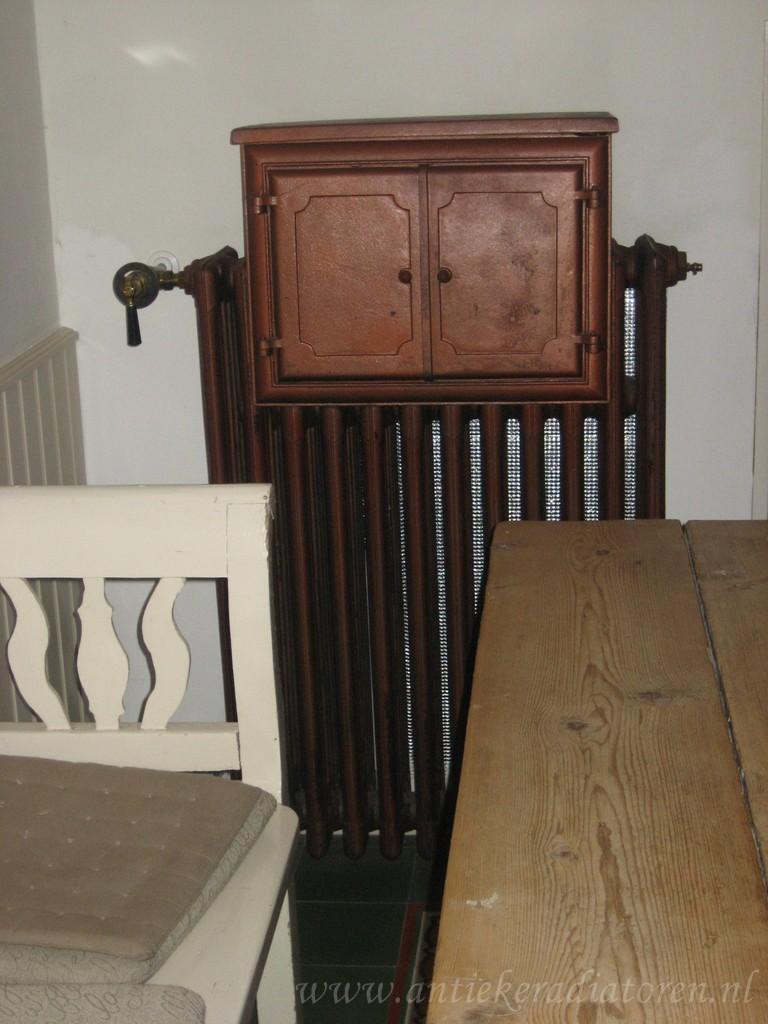 geplaatste gietijzeren radiator 14 c