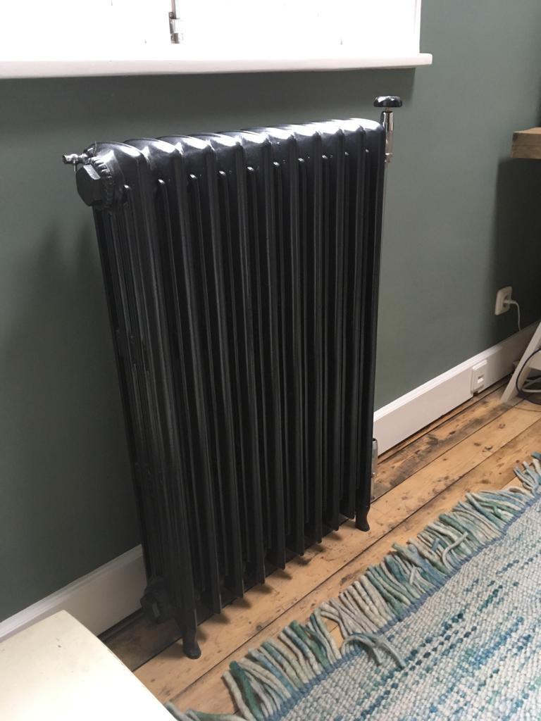 geplaatste gietijzeren radiator 128 b