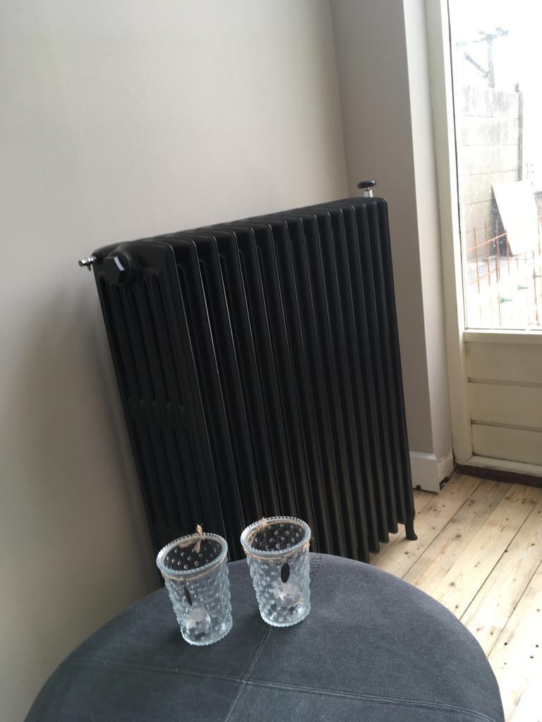 geplaatste gietijzeren radiator 128 e