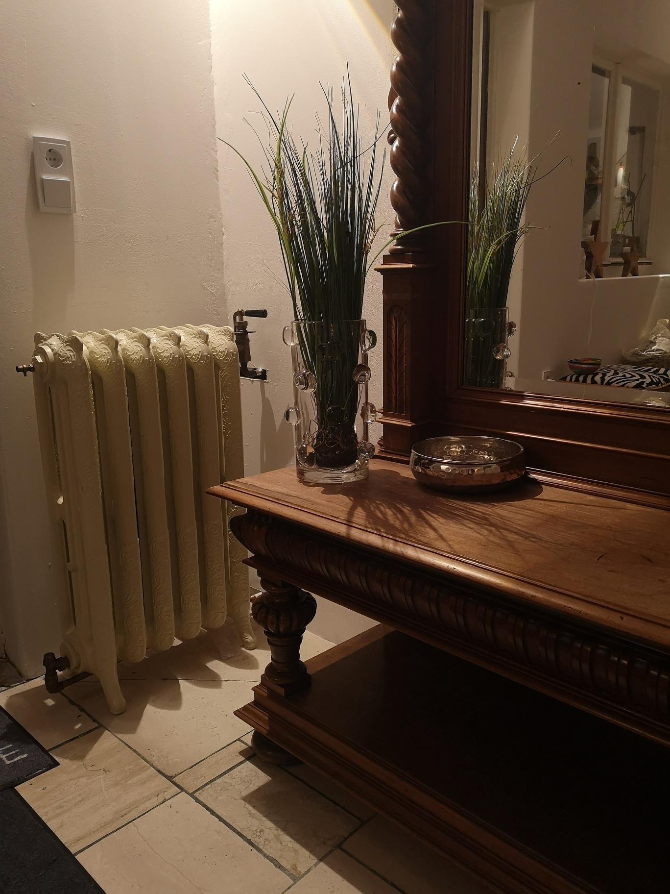 geplaatste gietijzeren radiator 129 b