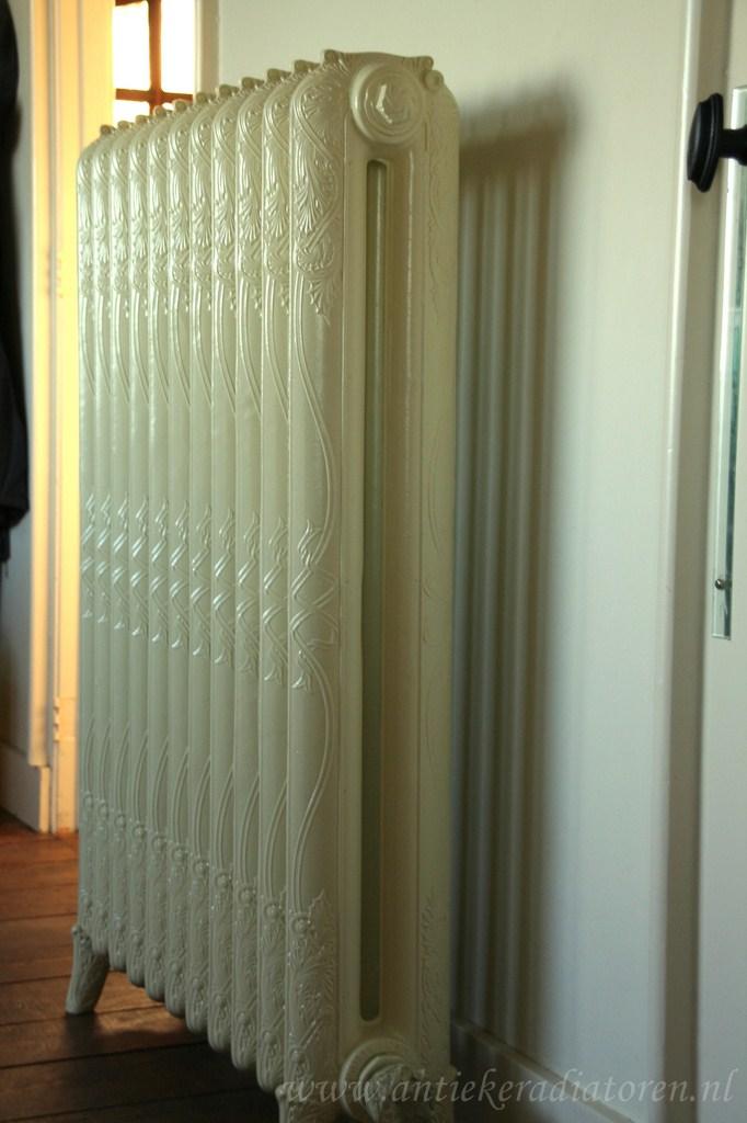 geplaatste gietijzeren radiator 13 a
