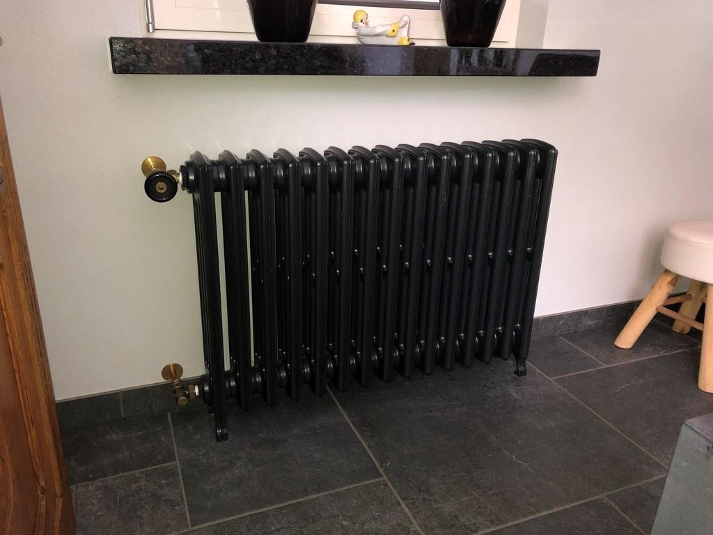 geplaatste gietijzeren radiator 130 a