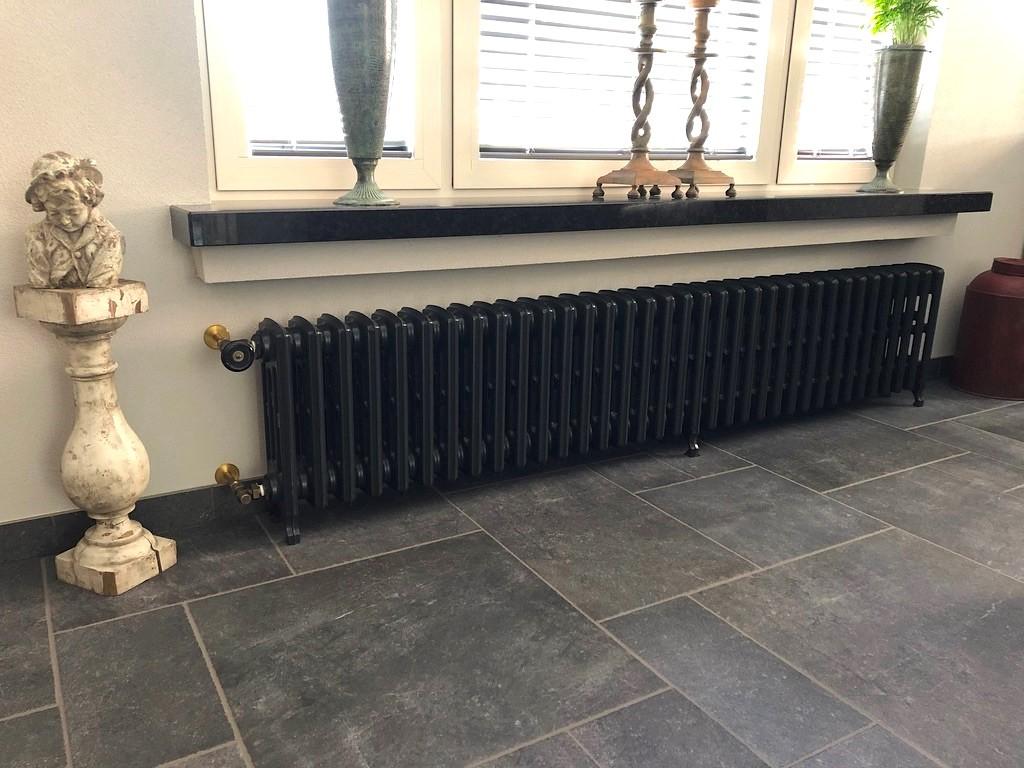 geplaatste gietijzeren radiator 130