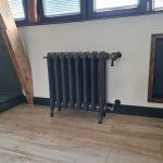 geplaatste gietijzeren radiator 132 b