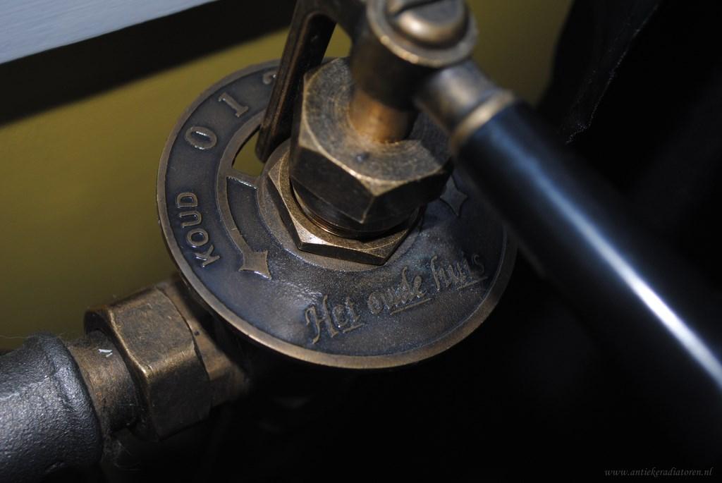 geplaatste gietijzeren radiator 66