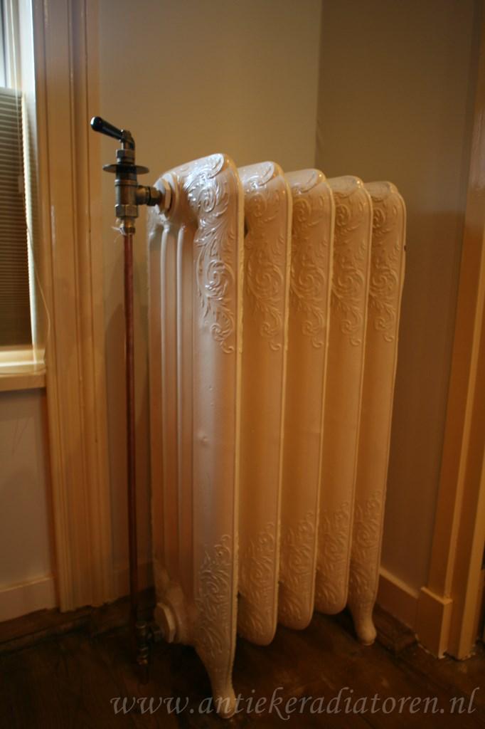 geplaatste gietijzeren radiator 89 a