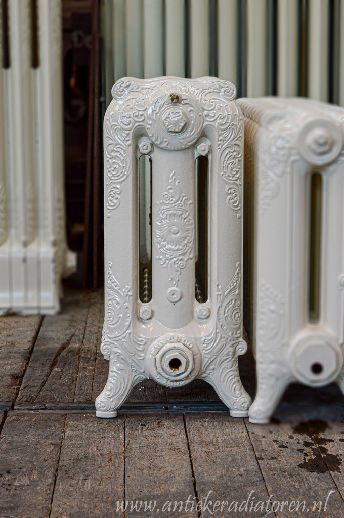 oude bewerkte radiator 210 a